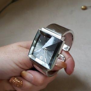 Beautiful XOXO watch! NWOT